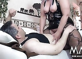 Mature BBW cunt milks an orgasm from his cock