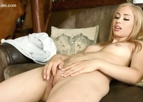 Yummy creation Lilian Tiprova spreads legs and shows off pinkish pussy
