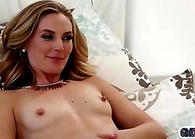 Piper get oral lessons from her new moms