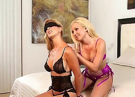 Captivating blonde Aaliyah Love & Cherie Deville play lesbian games