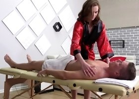 Masseuse Stacy Cruz sucks & fucks her oiled client on the massage table