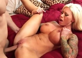 Lolly Ink needs help to cum