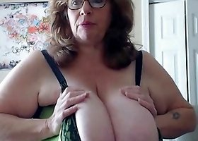 US Granny Bouncing The Biggest Natural Tits in