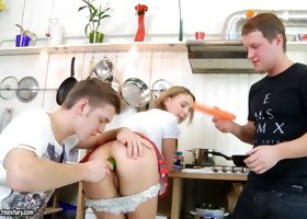 Blonde cutie Lolly Moon lets two men bang her with cucumber and carrot
