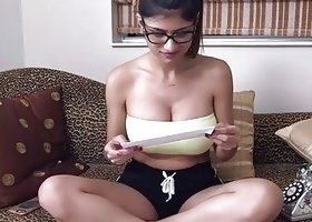 2 dicks receive stroked by arab honey