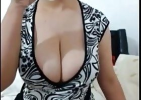 Big boobs showing off