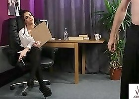 Cute eurobabe instructing wanking stranger